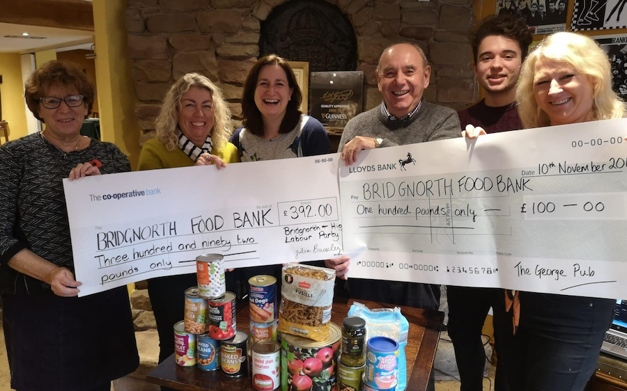 Pub Quiz Raises Almost £500 for the Food Bank